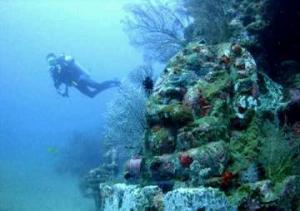 foto terbaru candi bawah laut indonesia, kontroversi penemuan  candi bawah laut di selat bali